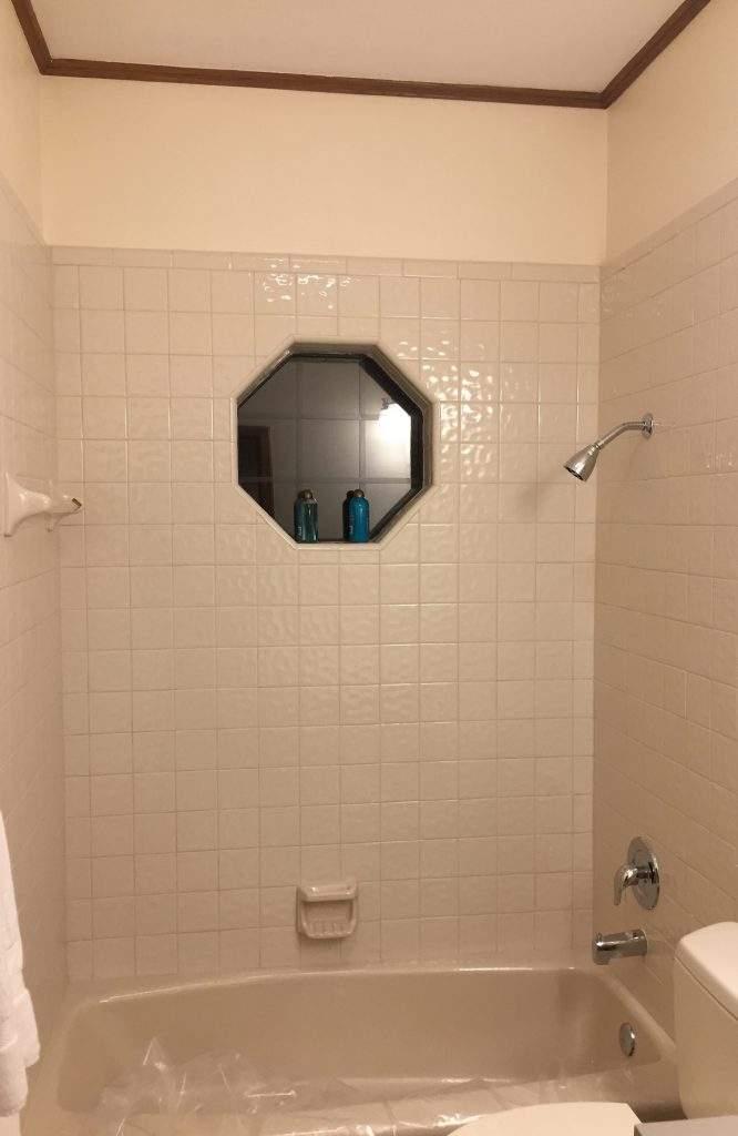 home interiors Austin | courtyard bathroom before | austin, texas